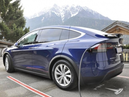 Toblach - Toblach: Happy Monday Tesla Drive Day